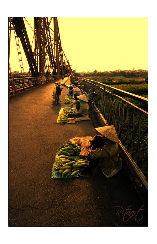 hoàng hôn trên cầu Long Biên